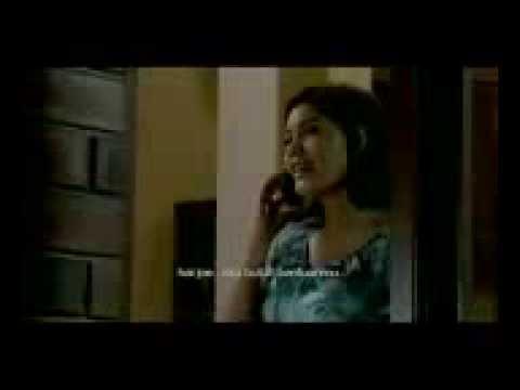 Pocong Mandi Goyang Pinggul Hot 2011 Mobile)