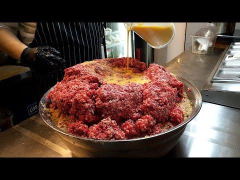 100% 쇠고기, 치즈 함박 스테이크 / 100% beef, cheese hamburger steak – korean street food