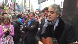 Andrea Bocelli gives impromptu performance in Times Square