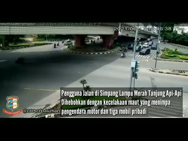 Detik-detik Truk Fuso di Palembang yang Melaju Kencang Hantam Tiga Mobil dan Motor