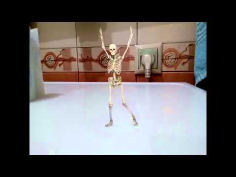 Dem Bones (Ezekiel Bible Story) - Clovercroft Kids