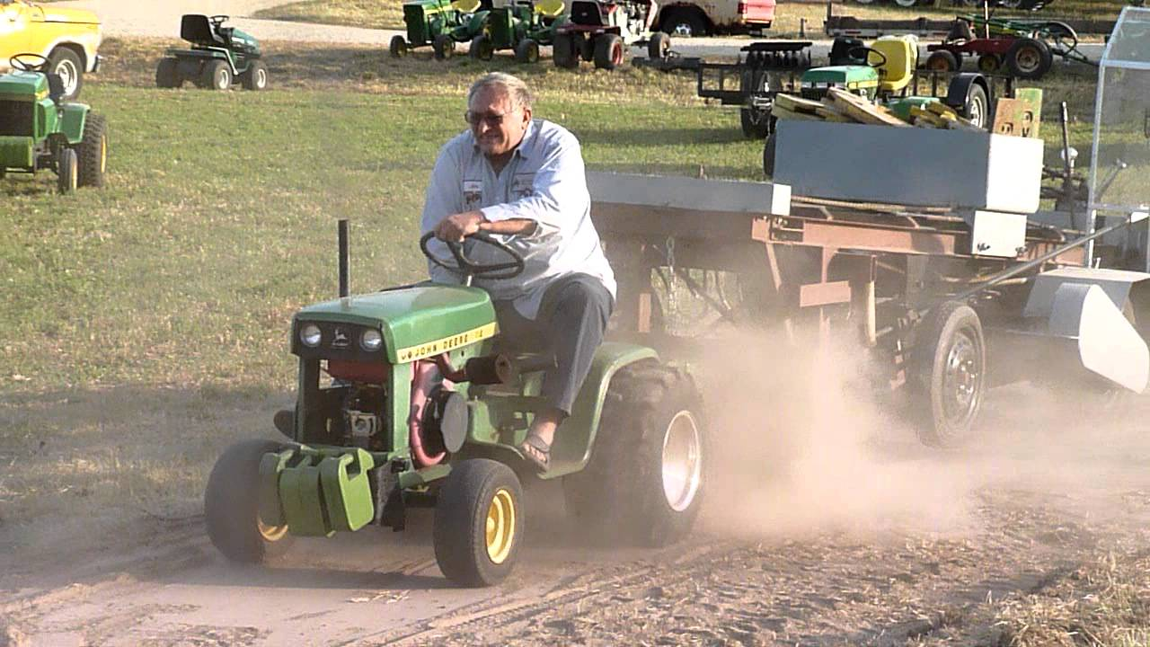Isaac S John Deere 112 Garden Tractor Puller At Plowdays