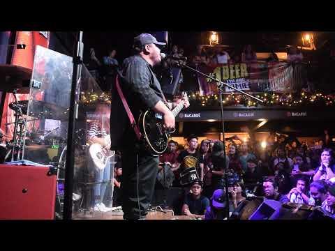 Torres - Mayonnaise (Live at Social House Circuit Makati)