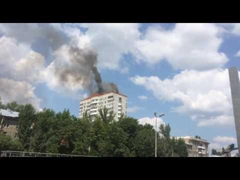 Видео, В Саратове горела крыша 16-этажного дома