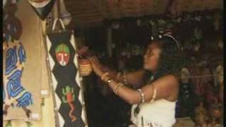 Download Video Amina Poullo_Douniya MP3 3GP MP4