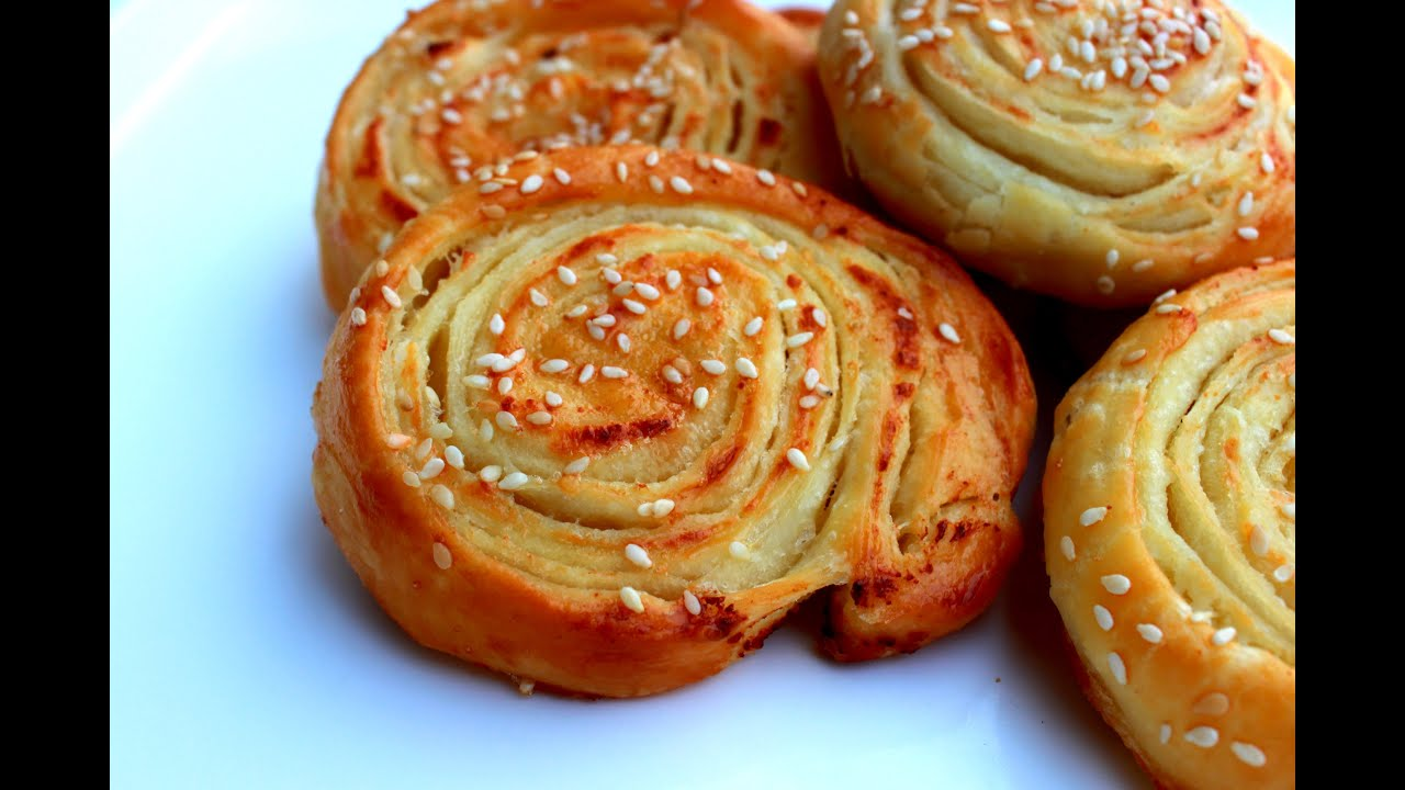 Pužići sa sirom / Mini pecivo / Cheese rolls - YouTube