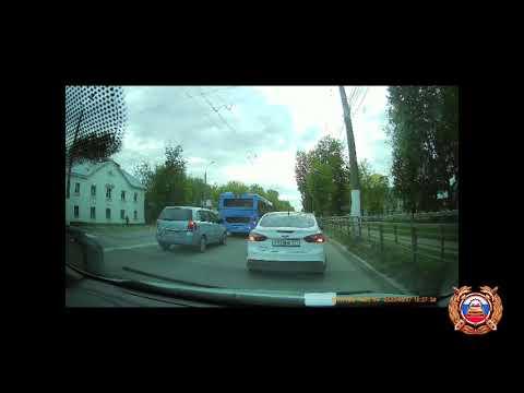 Столкновение трёх автомобилей на Петербургском шоссе в Твери
