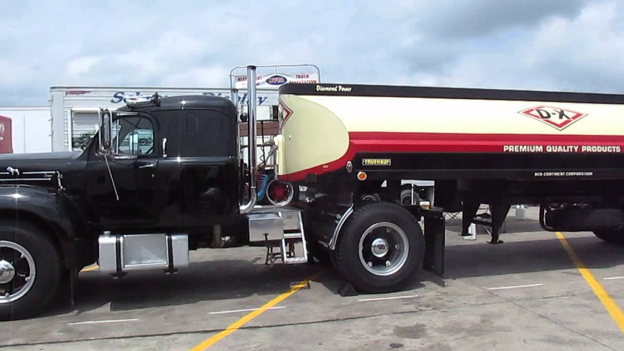 Mack Single Axle Trucks With Sleepers : Mack b single axle with rare integral sleeper youtube