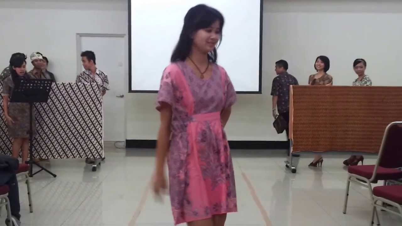 Indonesian Culture Day 2013  fashion show at batik fair and workshop  YouTube