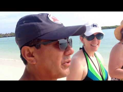 Tortuga Bay by boat & Kayak Daily tour Galápagos