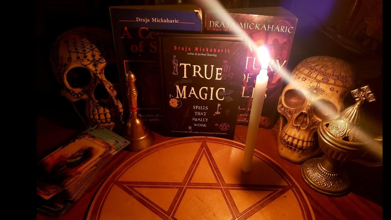 True Magic A Century of Spells / Draja Mickaharic Spellbook : Spells that Really Work Book Review
