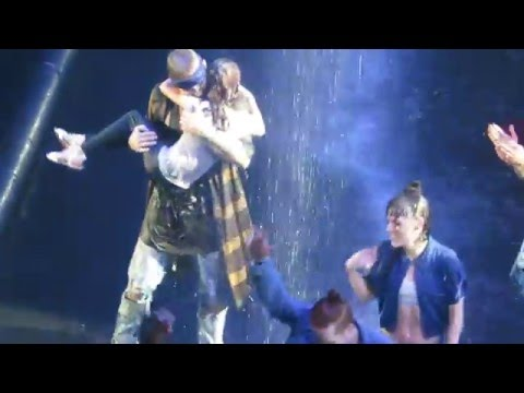 sorry  justin bieber dancing with his sister toronto
