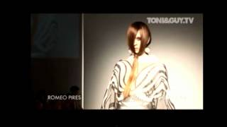 3 Models stumble during Romeo Pires Fall/Winter 2009