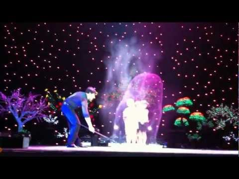 Fan Yang Bubble show in Vietnam  4 children in a big bubble