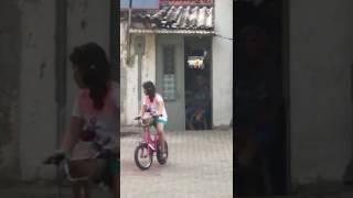 Sokaktaki çocuklara bakarak...