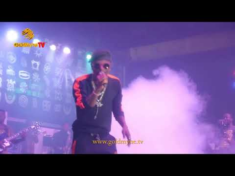 WIZKID SETS #FELABRATION2017 STAGE ON FIRE WITH LIVE BAND AND COLLAB WITH FEMI KUTI
