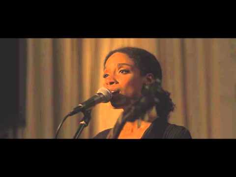 Lianne La Havas - Green & Gold (War Child Sofar Sounds Performance)