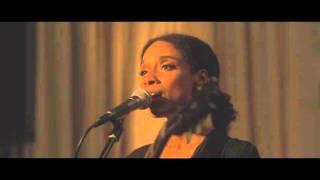 Lianne La Havas - Green & Gold (War Child Sofar Sounds Performance)