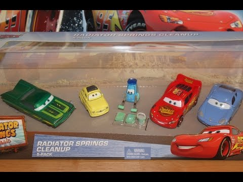 Mattel Disney Cars Radiator Springs Cleanup 5-Pack Guido with Paint Supplies, Ramone, McQueen