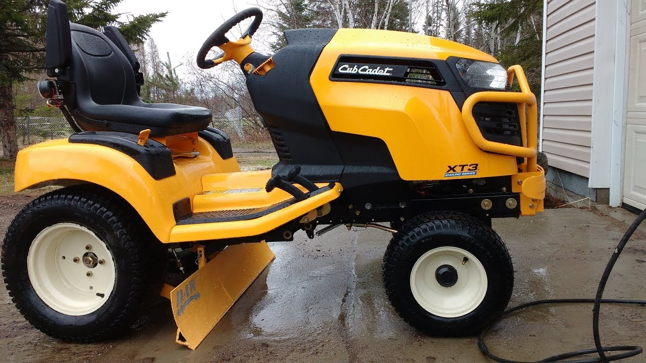 Cub cadet XT3 GSX home made grader by Dany Bouchard