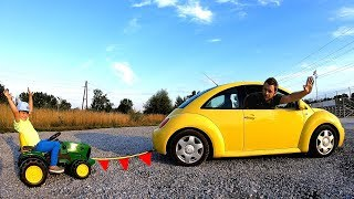 The Tractor Stuck | Papa Ride on Car VW Bug and towing John Deere | Pretend Play with Cars