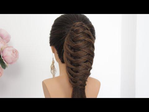 Легкая прическа на длинные волосы с плетением.