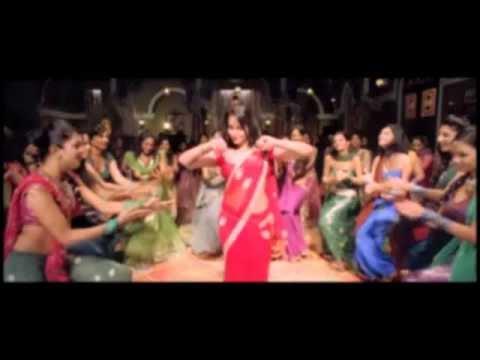Chamak Challo Chel Chabeli (Rowdy Rathore) Karaoke by Praveen Menezes