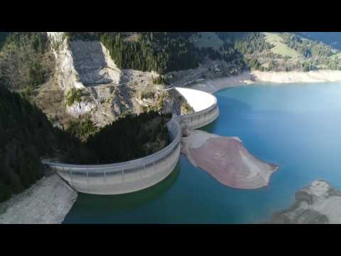 Lac de l'Hongrin Barrage suisse 4k drone Dji phantom 4 pro plus - Clip 4