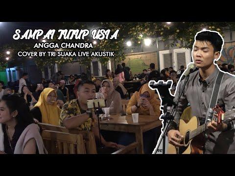 SAMPAI TUTUP USIA - ANGGA CANDRA (LIRIK) LIVE AKUSTIK COVER BY TRI SUAKA - PENDOPO LAWAS