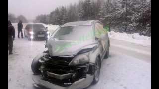 Погрузка Honda на эвакуатор(http://spasatelinn.ru/Зима,гололед,не справился с управлением в итоге грузим что осталось на эвакуатор., 2014-01-24T14:03:56.000Z)