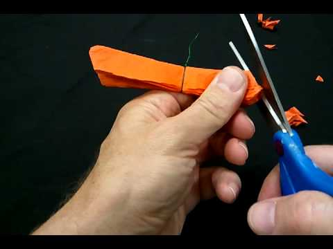 How to make a paper flower for dia de los muertos youtube how to make a paper flower for dia de los muertos mightylinksfo Choice Image