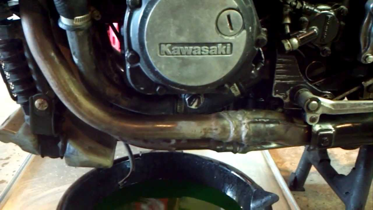 1986 Kawasaki Concours Coolant Change - YouTube