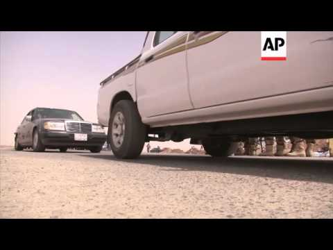 Thousands of Mosul residents were on Thursday fleeing violence in Iraq's second largest city after A