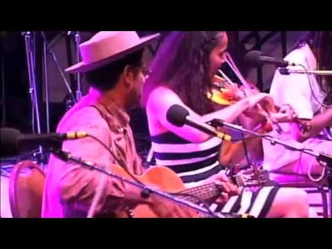 "Carolina Chocolate Drops cover Johnny Cash ""Jackson"" Live @ Grey Fox Festival 2013"