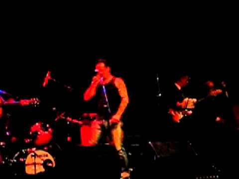 Michael Poulsen (Volbeat) singing Elvis april 2006