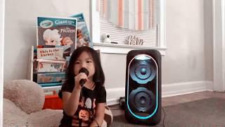 Sophia singing Yog Los Mas by ZPX