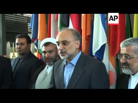 Iranian FM visits IAEA headquarters, meets DG Amano