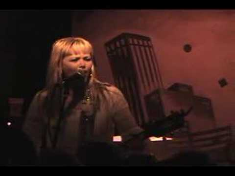 "Kay Hanley Live ""Brown Betty"" 1/5/06"
