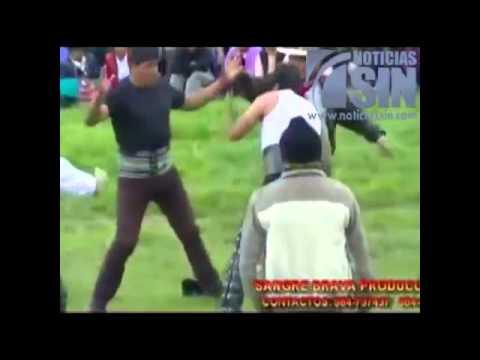 Tradicional Fiesta De Lucha Navidea En Lima