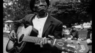 Watch Mississippi John Hurt Richland Woman Blues video