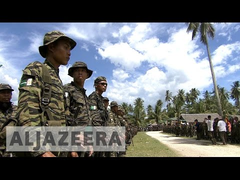 Hundreds of child soldiers released in the Philippines