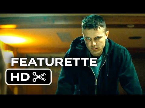 Out Of The Furnace Featurette - Story...