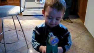 Kid Shoots himself in the face...  FOR REAL!