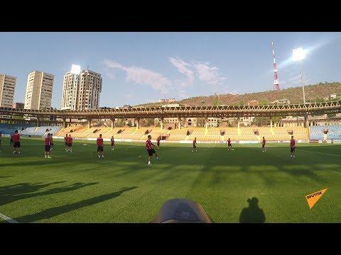 Тренировка сборных Армении и Италии по футболу