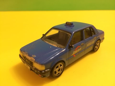 02199 Fast Lane Singapore Taxi Die cast model (00030)