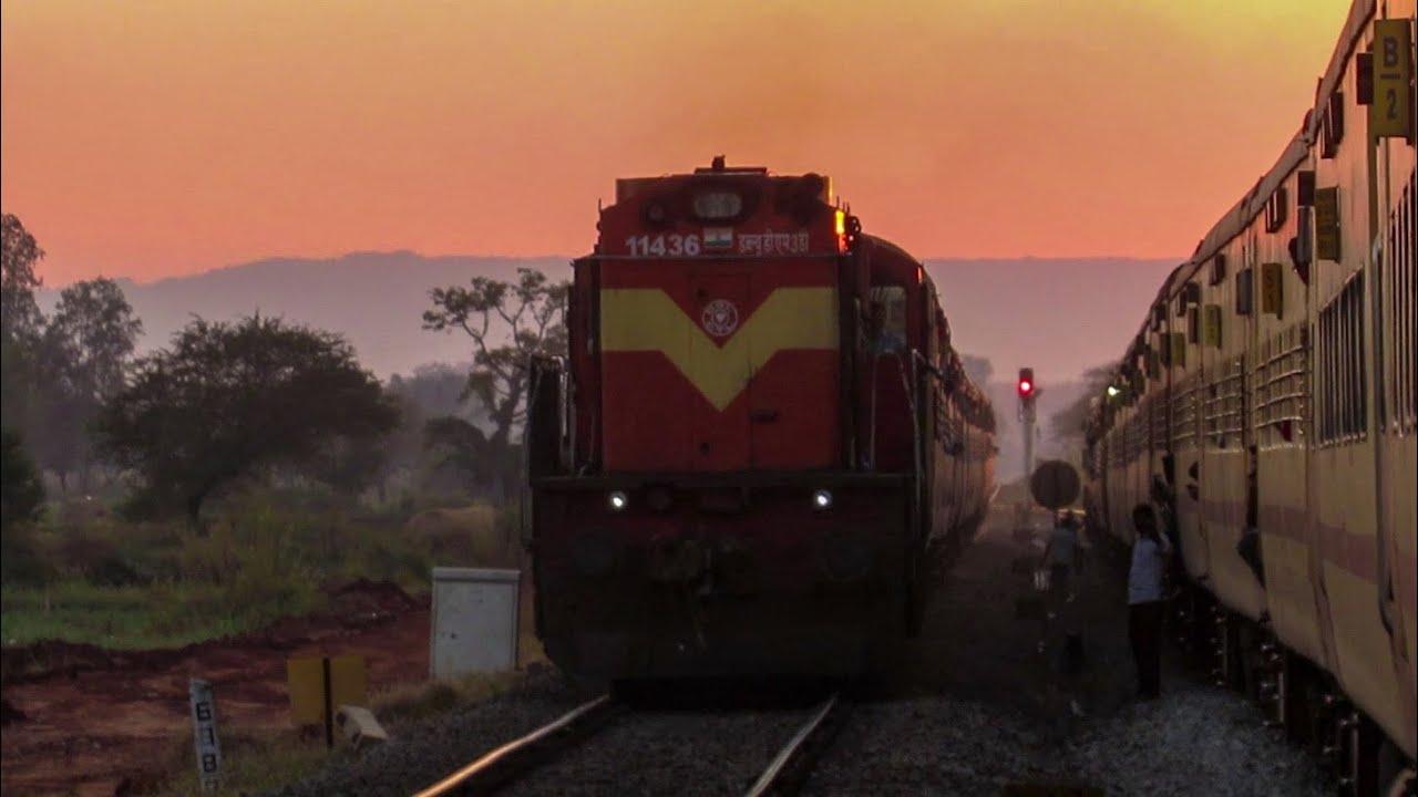 Download SINGLE LINE CROSSING   LHF GTL WDM-3D led 11303 MUGR-KOP Express crossing 16590 Rani Chennamma Exp