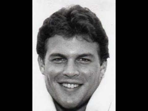 Boston College LB Andy Hemmer (81) snuffs out Holy Cross sweep