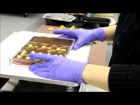 NETO chocolate artisan bars making