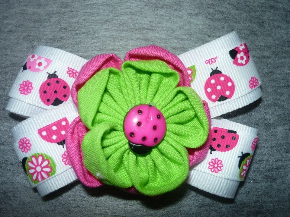Como hacer mo os de liston y tela how to make flowers with fabric manualidades la hormiga - Manualidades con lazos ...