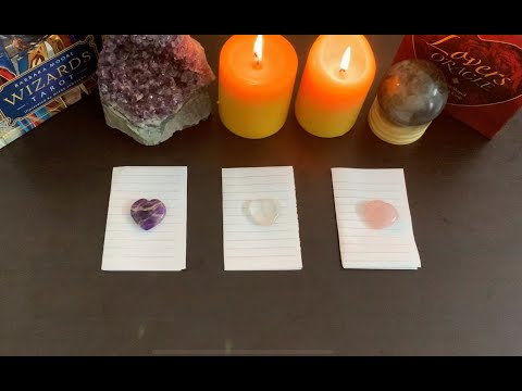 **pick a card** WHAT DOES YOUR PERSON WANT TO TELL YOU RIGHT NOW?